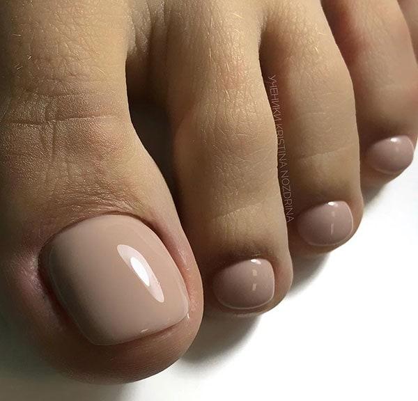 Μπεζ nude νυφικά νύχια ποδιών