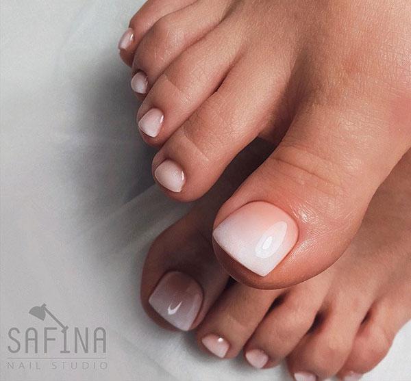 Όμπρε γαλλικό στα νύχια των ποδιών νύφης