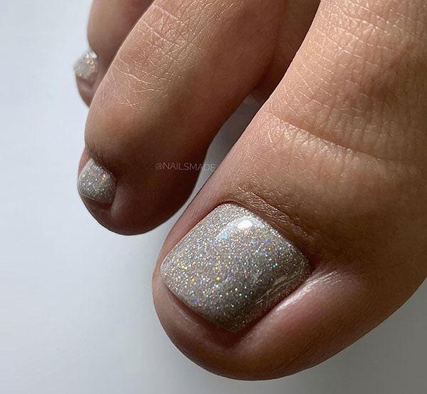 Νυφικά νύχια ποδιών με glitter
