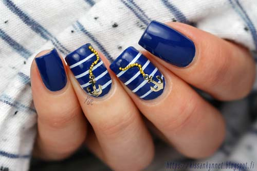 Summer navy nails με άγκυρες