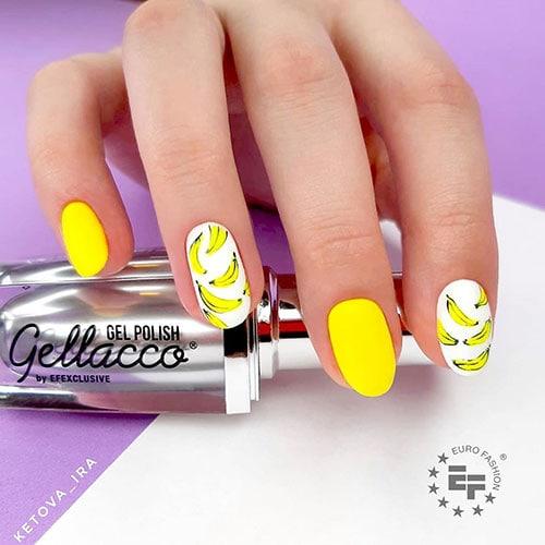 Νύχια σε κίτρινο χρώμα με μπανάνες