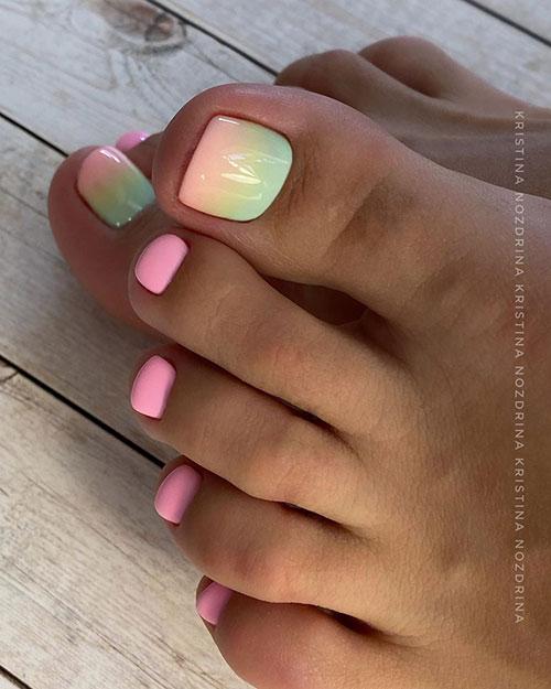 Ροζ όμπρε σχέδιο στα νύχια των ποδιών