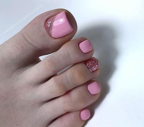 Ροζ πεντικιούρ με σχέδια από χρυσόσκονη