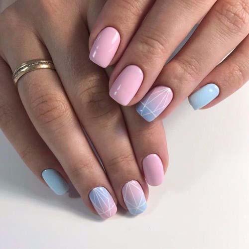 Ροζ απαλά νύχια με γαλάζιο όμπρε και γραμμικό σχέδιο
