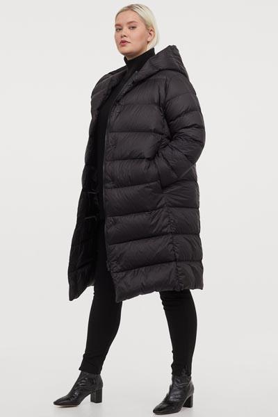 Μακρύ καπιτονέ μπουφάν με κουκούλα σε μεγάλα μεγέθη - H&M