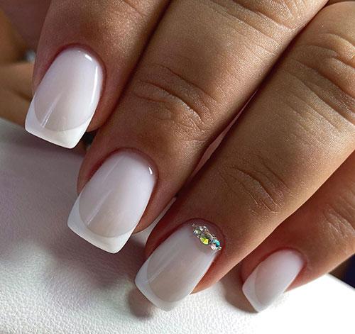 Κλασσικό french nails με στρας