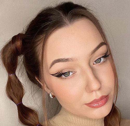 Winged eyeliner με άνοιγμα στην εξωτερική γωνία