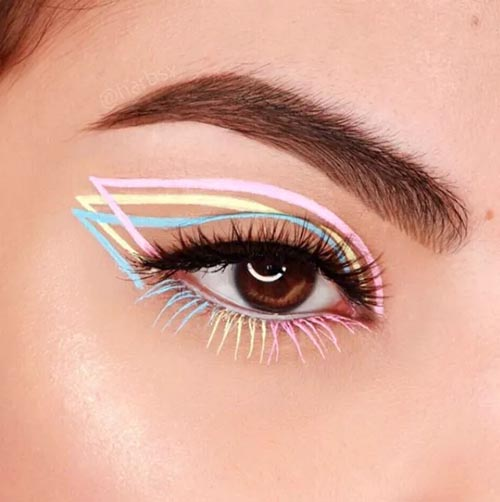 Γραμμή eyeliner σε τρεις παστέλ αποχρώσεις