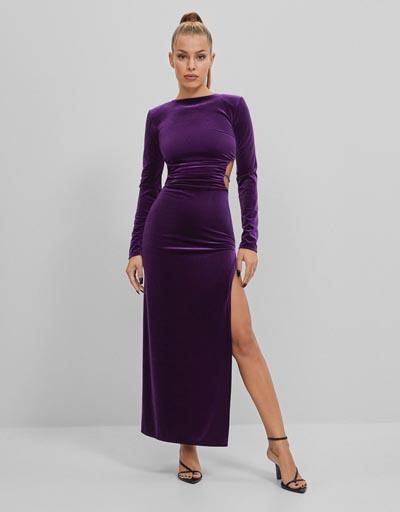 Μακρύ μωβ βελούδο κολλητό φόρεμα με άνοιγμα στη μέση και σκίσιμο στο πλάι - Bershka