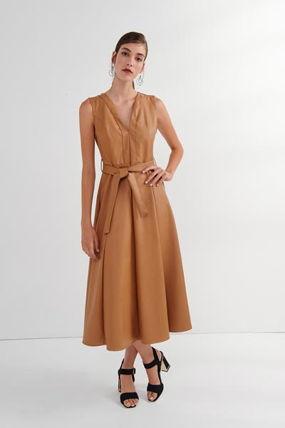 Midi δερμάτινο καμηλό αμάνικο φόρεμα με ζώνη στη μέση - Attrattivo