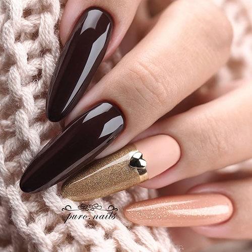Μπορντό - ροζ νύχια με χρυσόσκονη