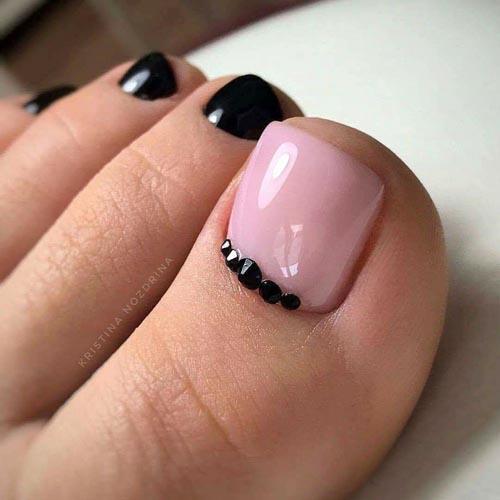 Ροζ μαύρα νύχια ποδιών με στρας